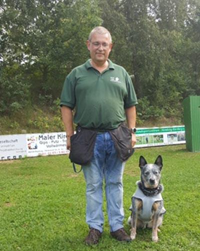 Michael führt seinen Hund im Rettungsdienst und meint zum Mentaltraining